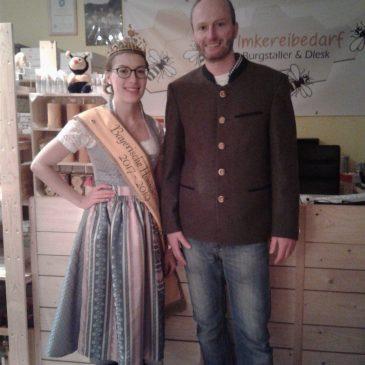 Besuch der bayerischen Honigkönigin Katharina I